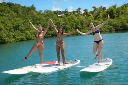 trois-filles-stand-up-paddle.jpg